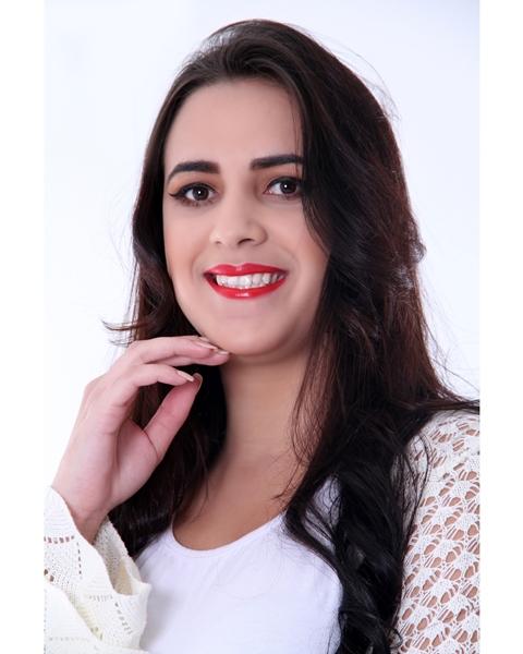 Stefanie Melo